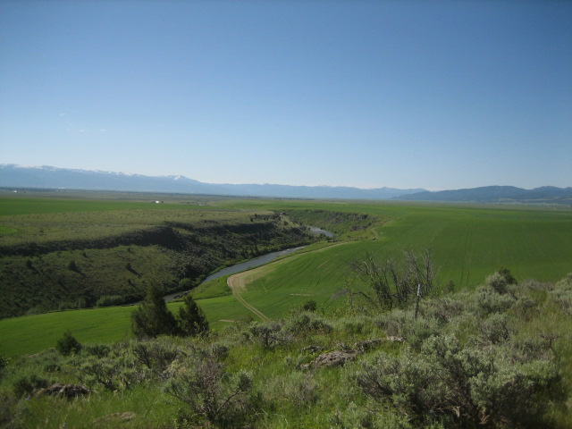 9495 River Rim Ranch Tetonia